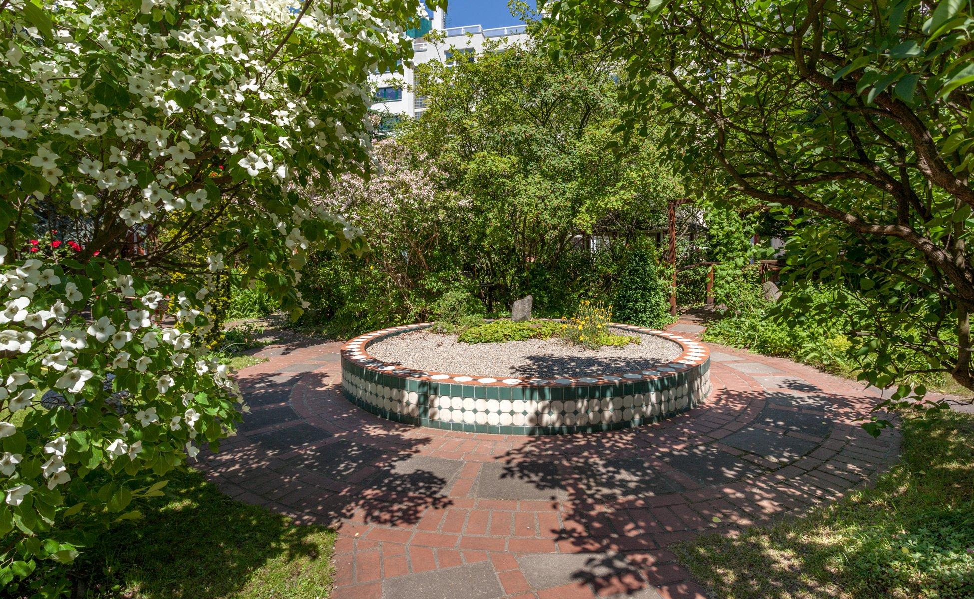 Garten und Terrasse im Hotel Grenzfall