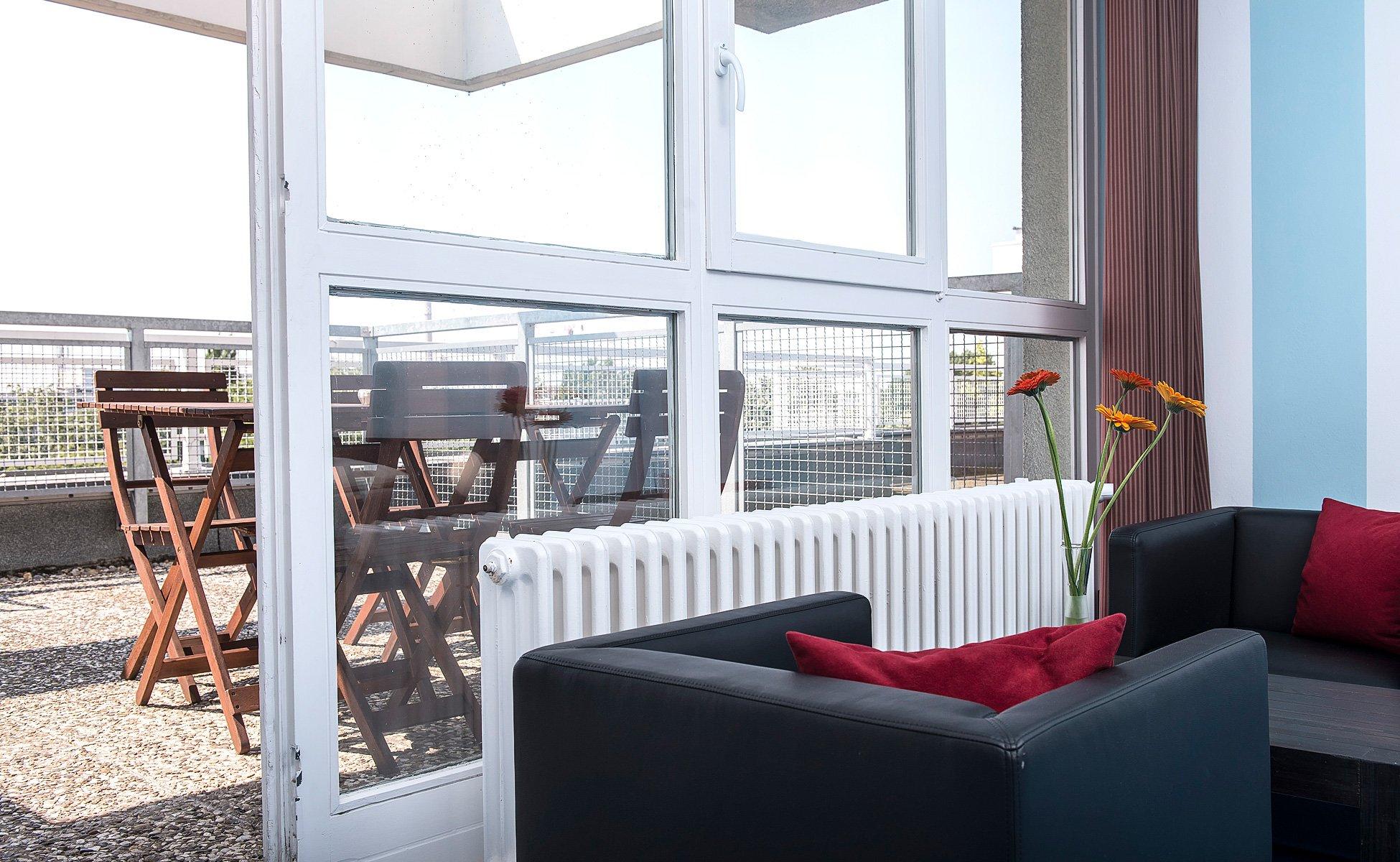 Das Apartment verfügt über eine Terrasse mit schönem Ausblick